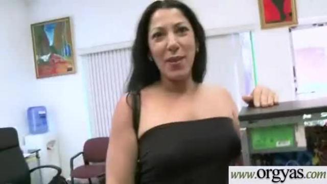 Lots cash and horny wild girl go down for bang clip-27